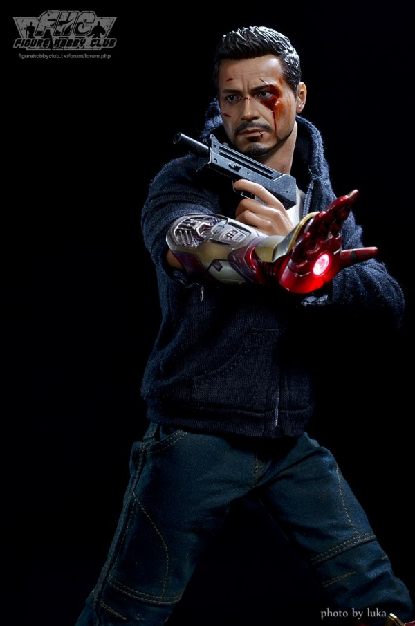 hottoys-tony-stealth-luka-025