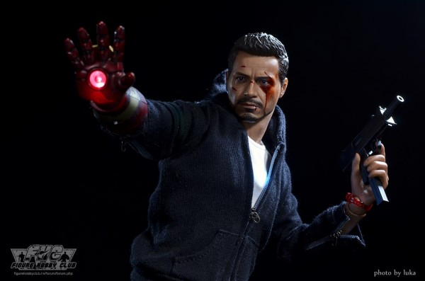 hottoys-tony-stealth-luka-027