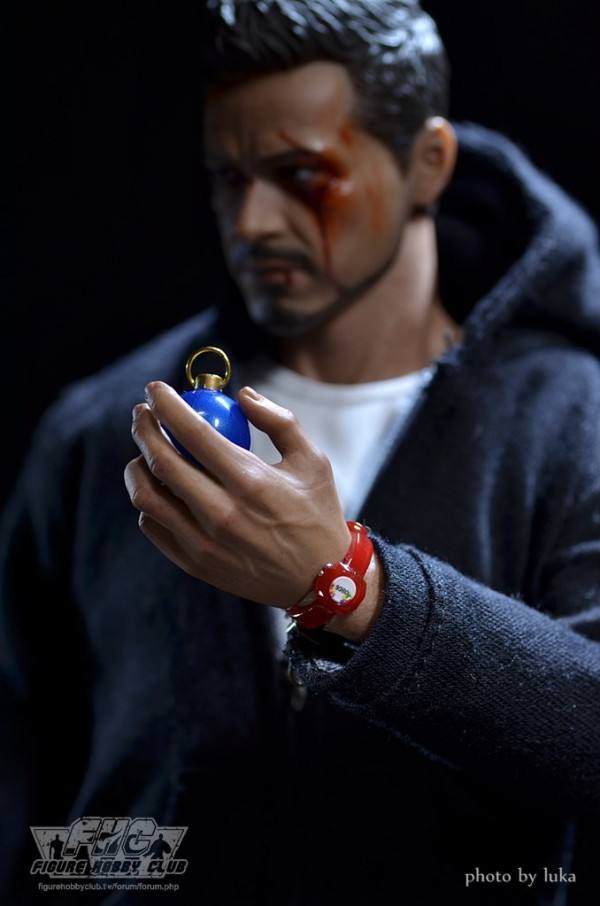 hottoys-tony-stealth-luka-038