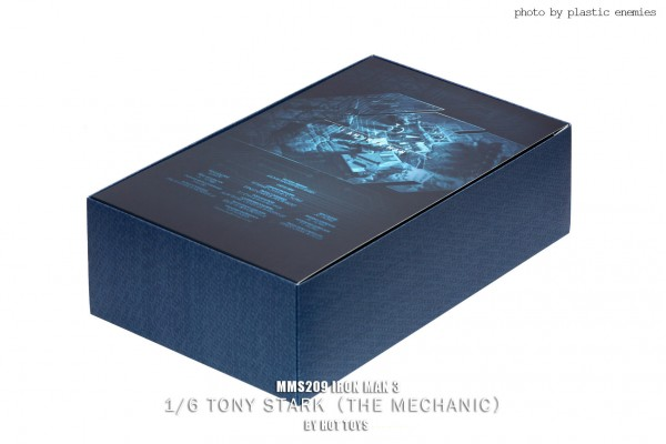 hottoys-tony-stealth-plastic-enemy-001