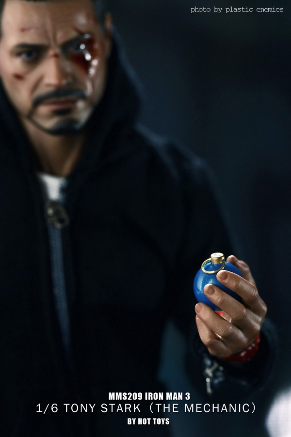 hottoys-tony-stealth-plastic-enemy-005