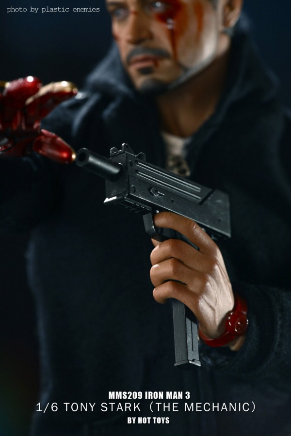hottoys-tony-stealth-plastic-enemy-006