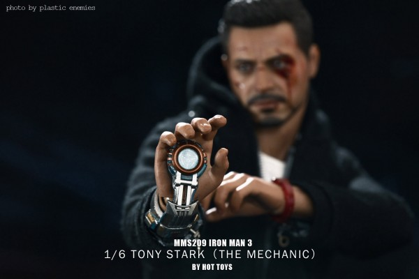 hottoys-tony-stealth-plastic-enemy-008