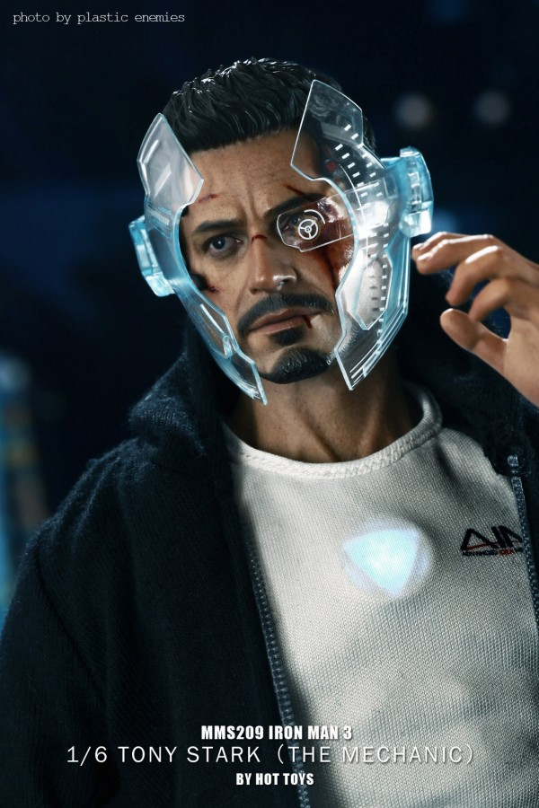 hottoys-tony-stealth-plastic-enemy-012