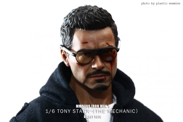 hottoys-tony-stealth-plastic-enemy-014