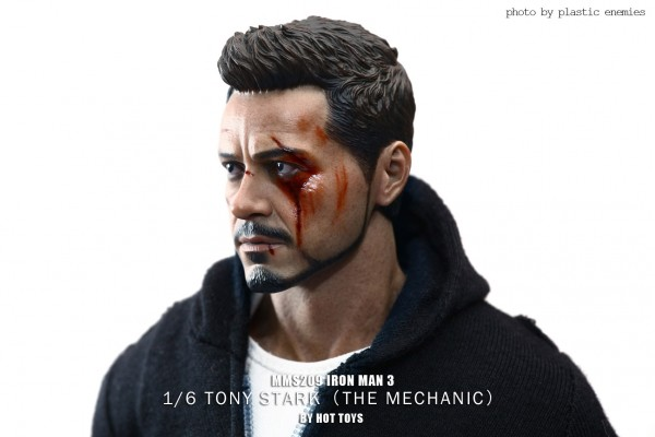 hottoys-tony-stealth-plastic-enemy-017