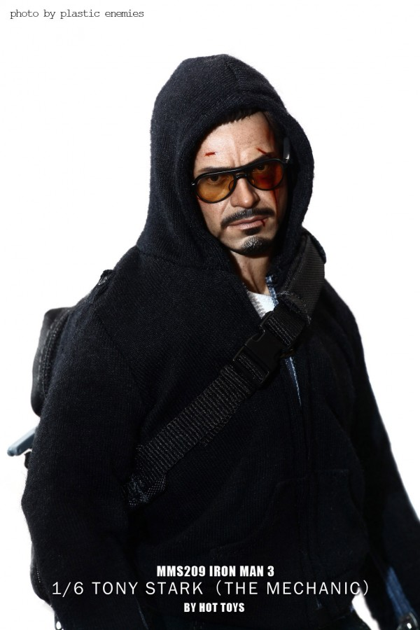 hottoys-tony-stealth-plastic-enemy-031