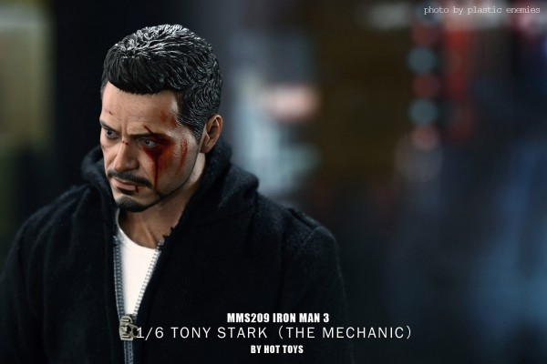 hottoys-tony-stealth-plastic-enemy-036