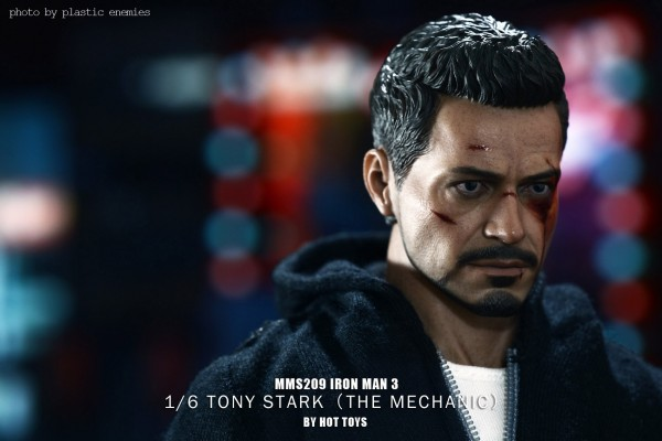hottoys-tony-stealth-plastic-enemy-037