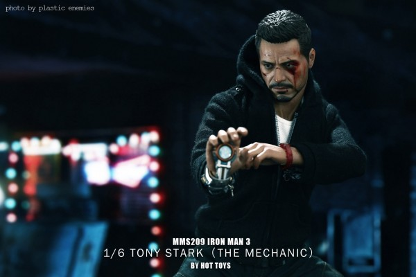 hottoys-tony-stealth-plastic-enemy-038