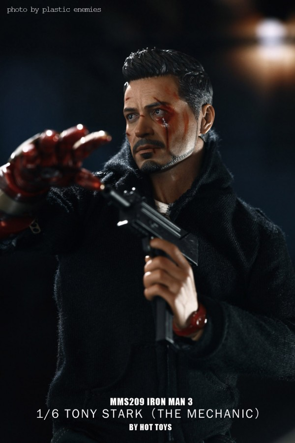 hottoys-tony-stealth-plastic-enemy-040