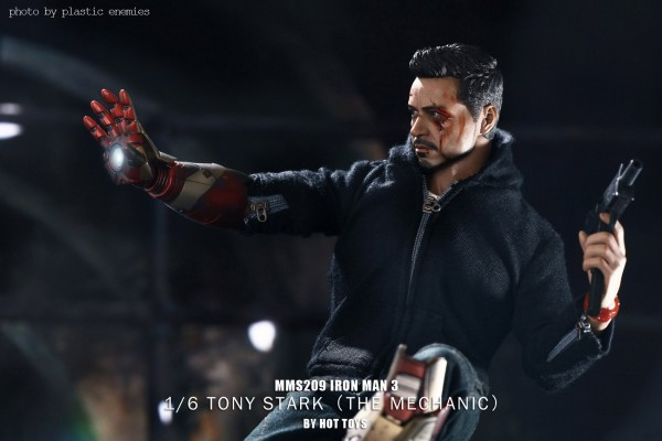 hottoys-tony-stealth-plastic-enemy-042