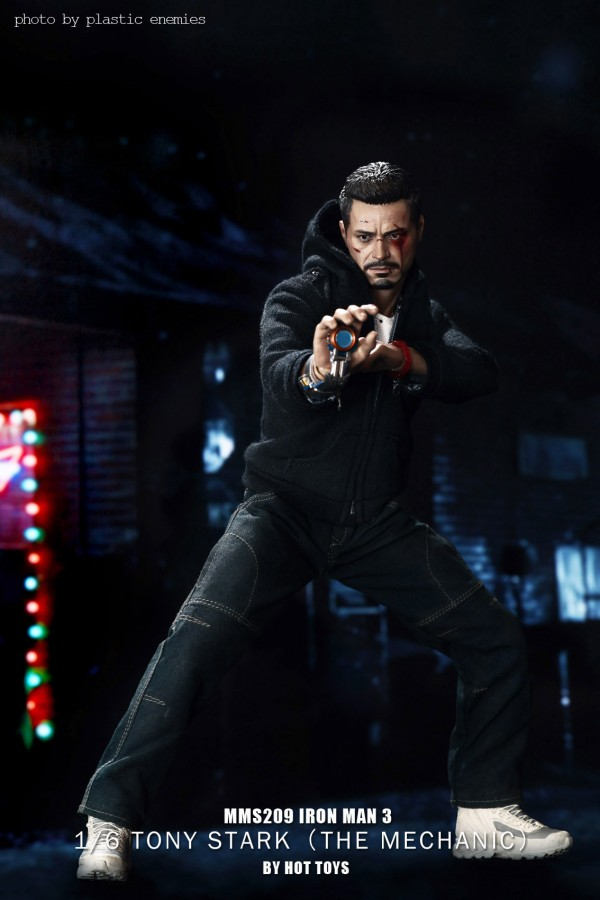 hottoys-tony-stealth-plastic-enemy-043