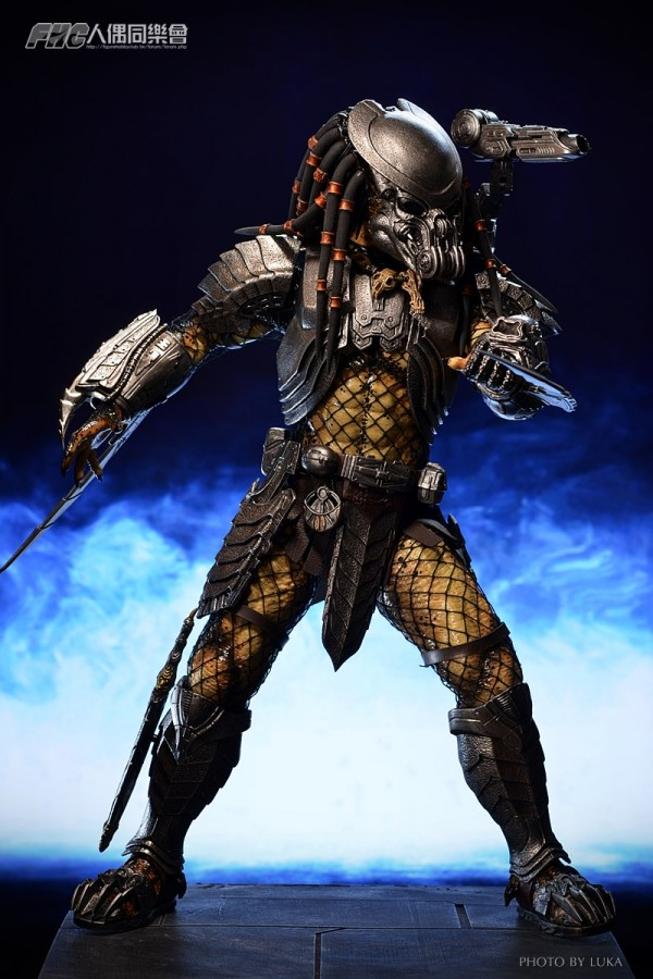 hottoys-celtic-predator-luka-013