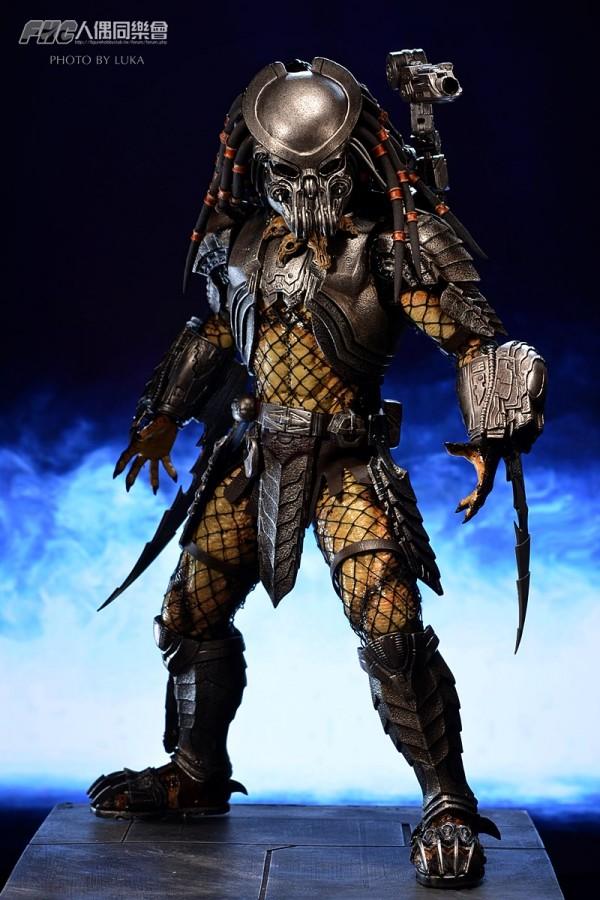 hottoys-celtic-predator-luka-018