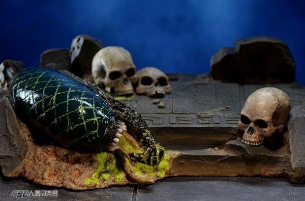 hottoys-celtic-predator-luka-038