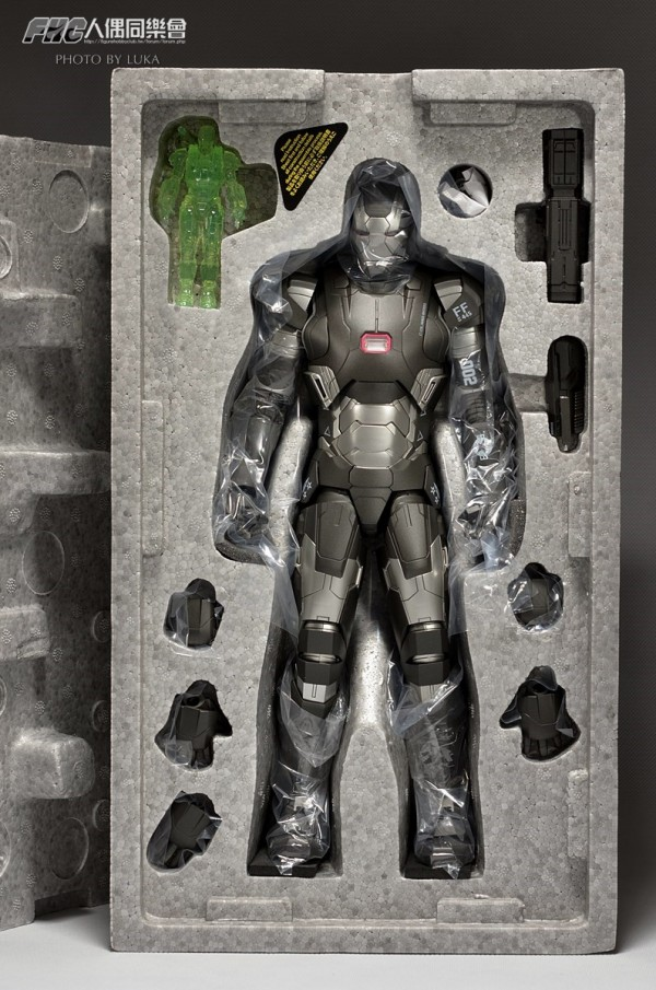 hottoys-ironman3-war-machine-luka-003