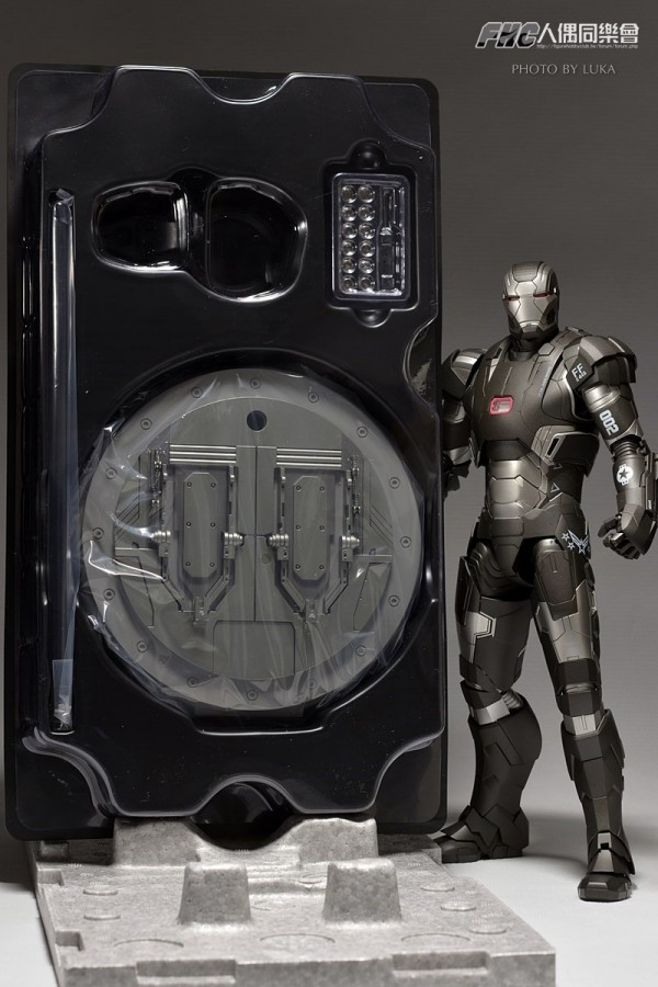 hottoys-ironman3-war-machine-luka-004