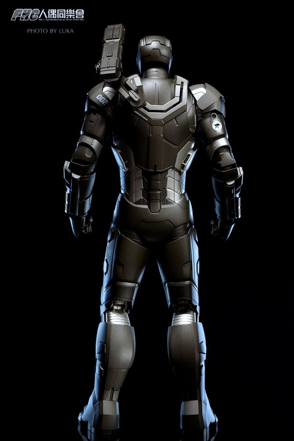 hottoys-ironman3-war-machine-luka-010