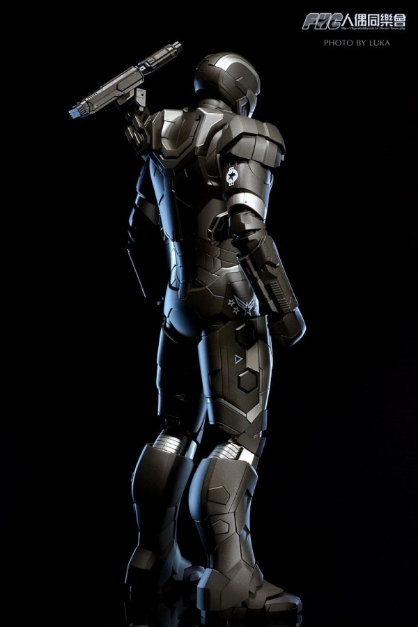 hottoys-ironman3-war-machine-luka-011
