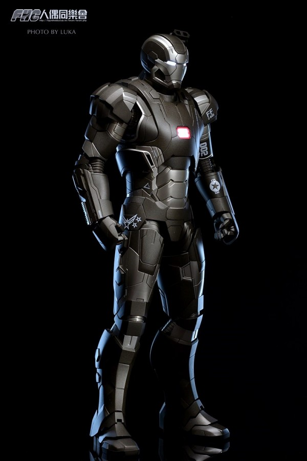 hottoys-ironman3-war-machine-luka-012