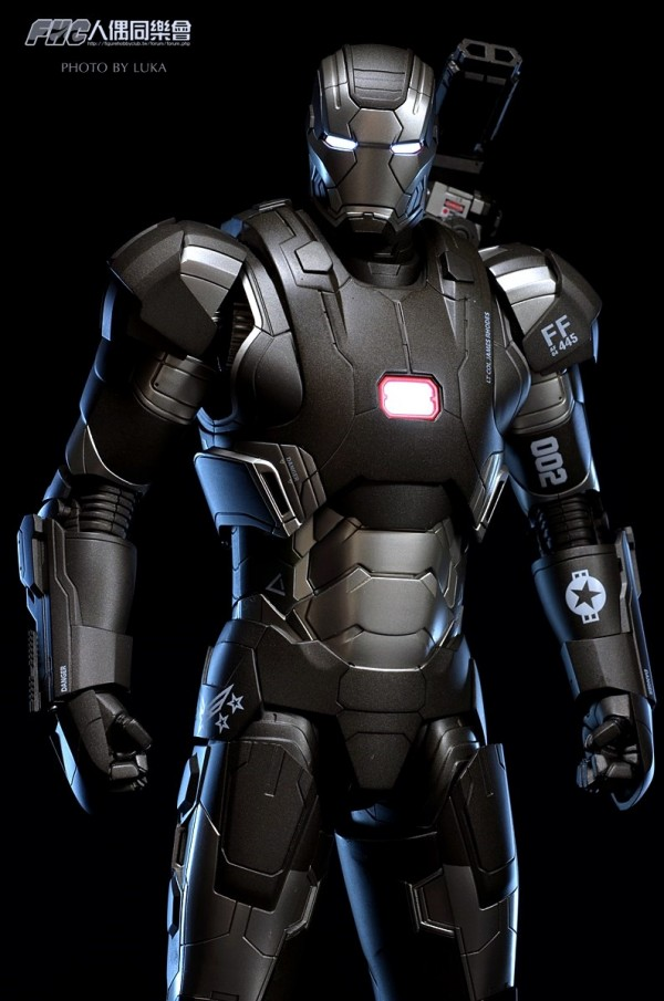 hottoys-ironman3-war-machine-luka-013