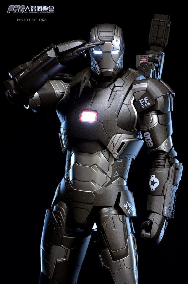 hottoys-ironman3-war-machine-luka-015
