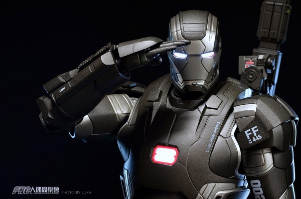 hottoys-ironman3-war-machine-luka-016