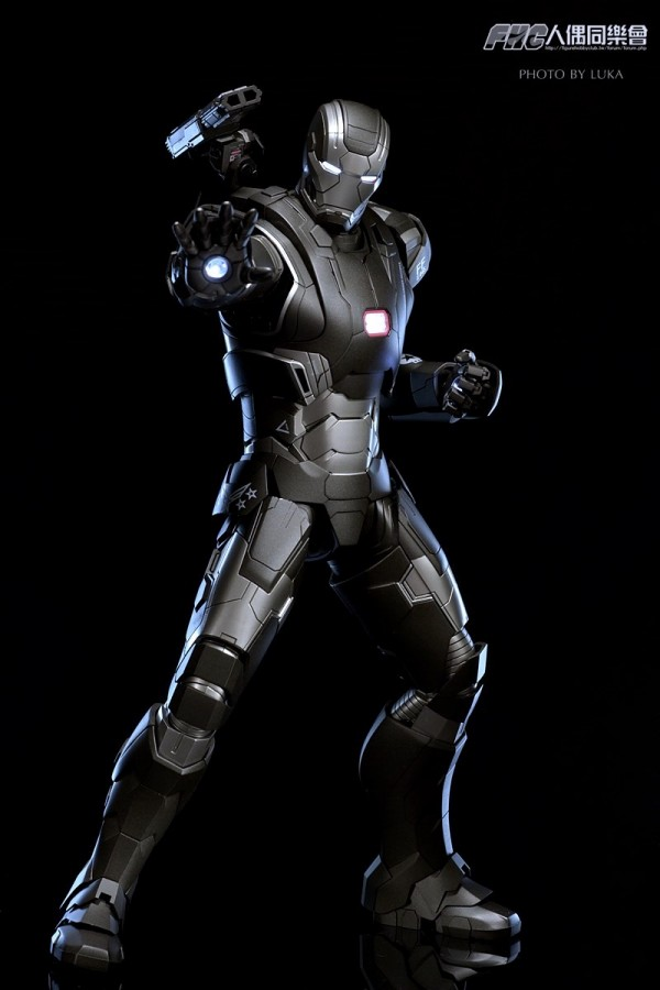 hottoys-ironman3-war-machine-luka-018