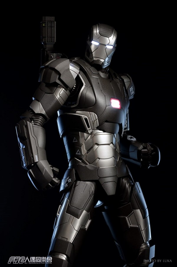 hottoys-ironman3-war-machine-luka-020