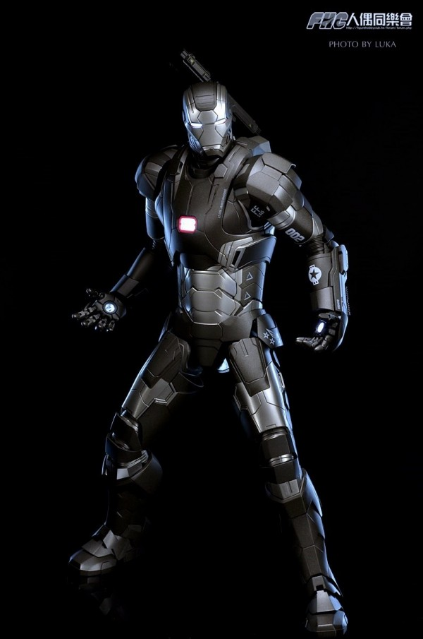 hottoys-ironman3-war-machine-luka-021