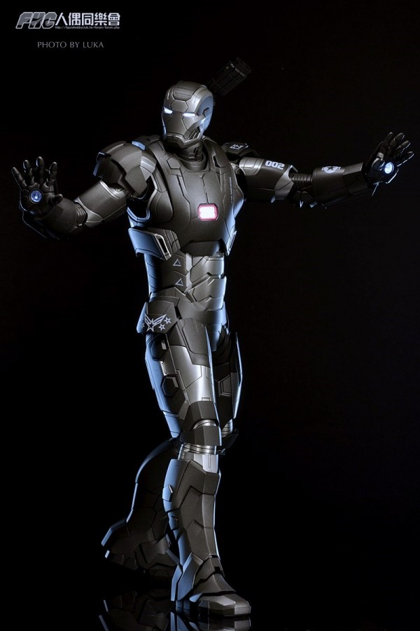 hottoys-ironman3-war-machine-luka-029