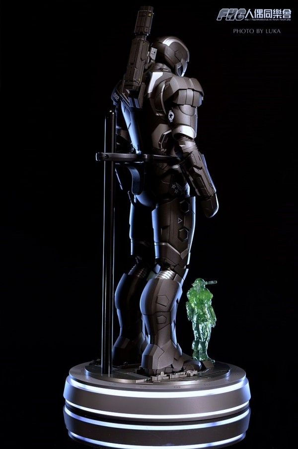 hottoys-ironman3-war-machine-luka-035