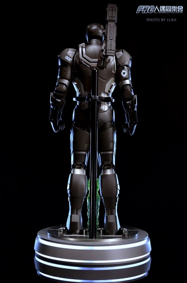 hottoys-ironman3-war-machine-luka-036