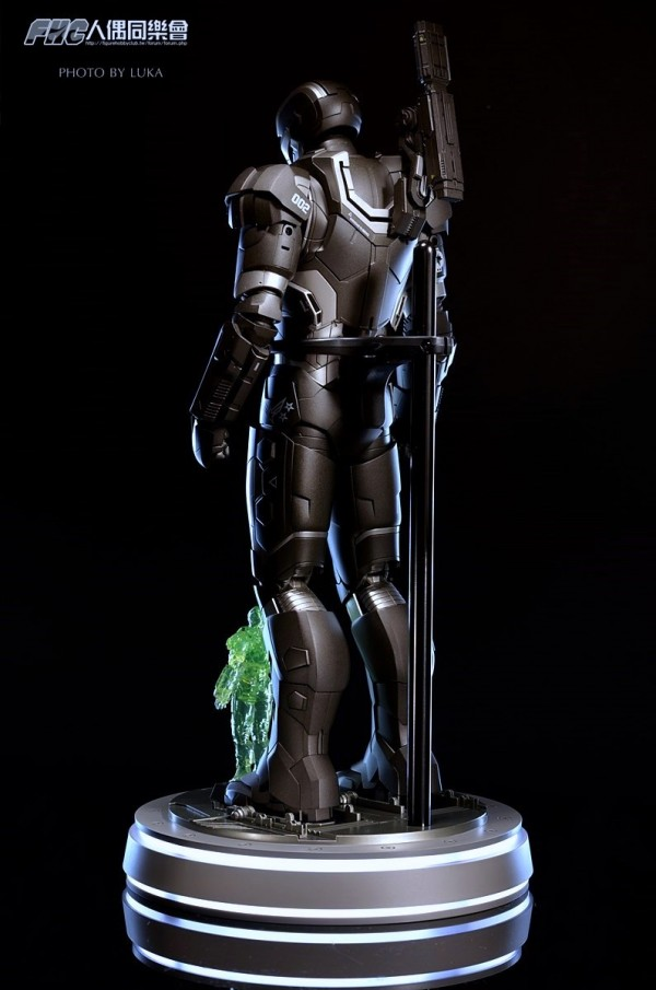 hottoys-ironman3-war-machine-luka-037