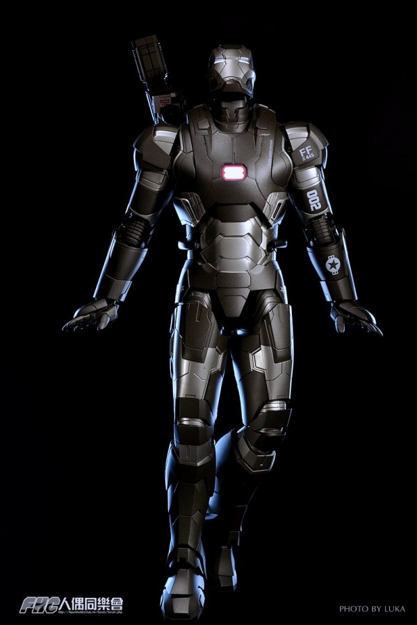 hottoys-ironman3-war-machine-luka-055