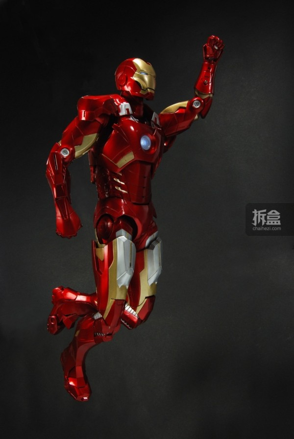 neca-18inch-ironman-022