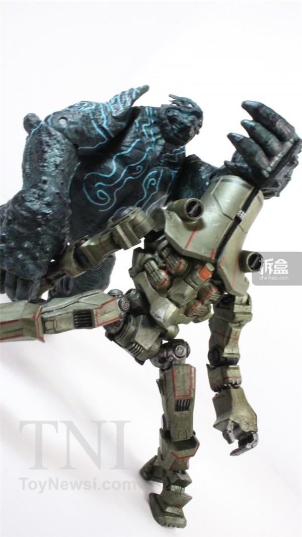 neca-cherno-alpha-review-023