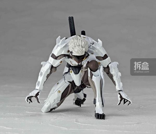 revoltech-raiden-white-002