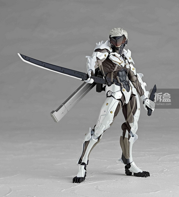 revoltech-raiden-white-003