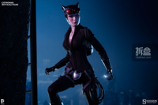 sideshow-catwoman-action-figure-002