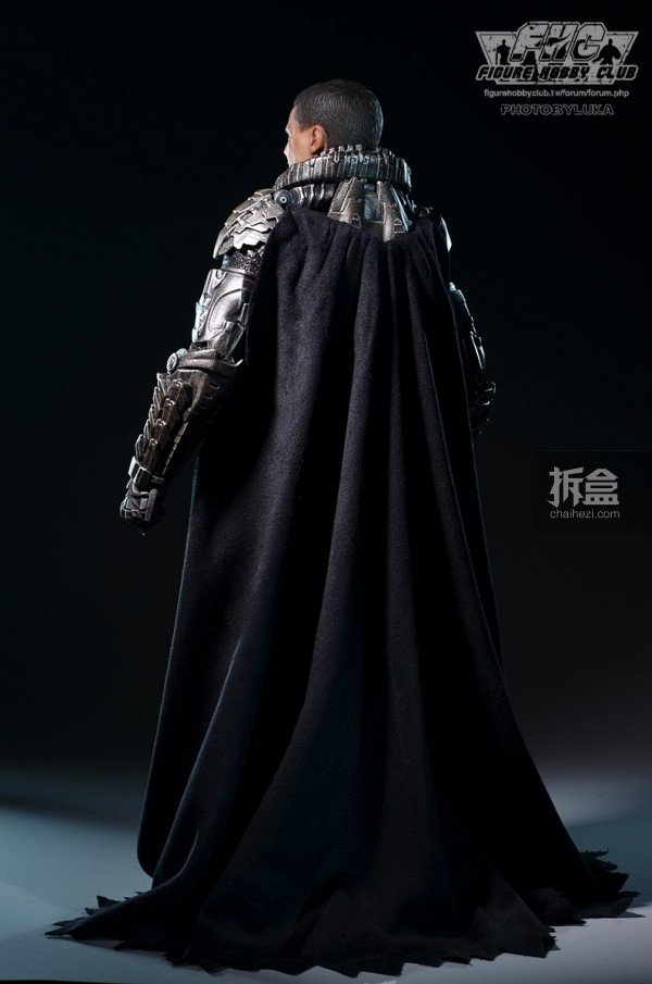 hottoys-man-of-steel-general-zod-luka-006