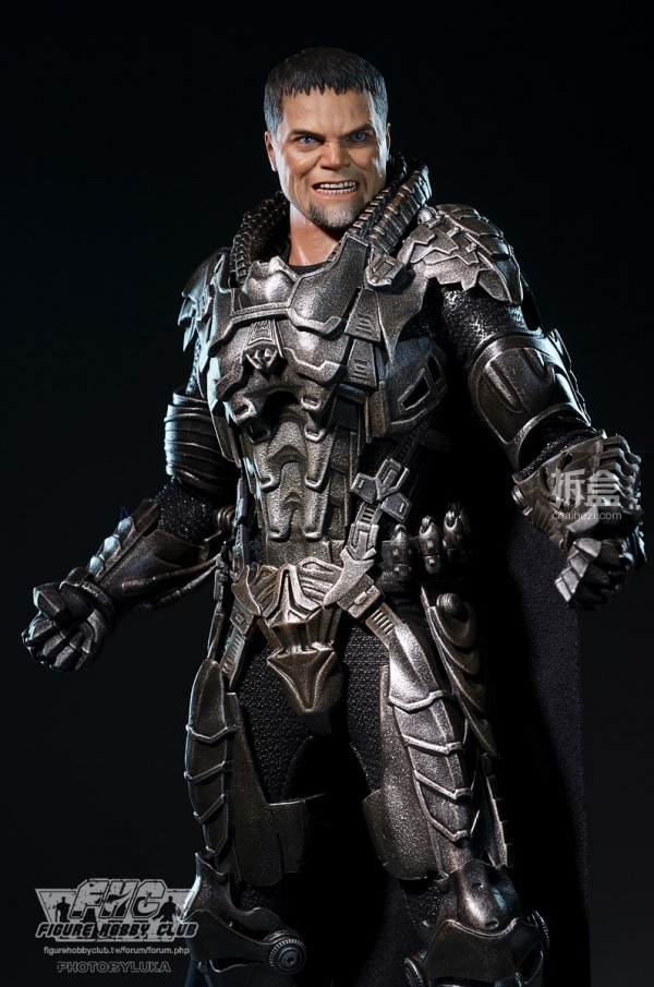 hottoys-man-of-steel-general-zod-luka-007