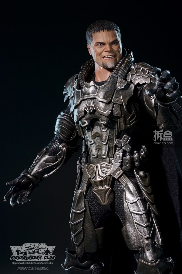 hottoys-man-of-steel-general-zod-luka-008