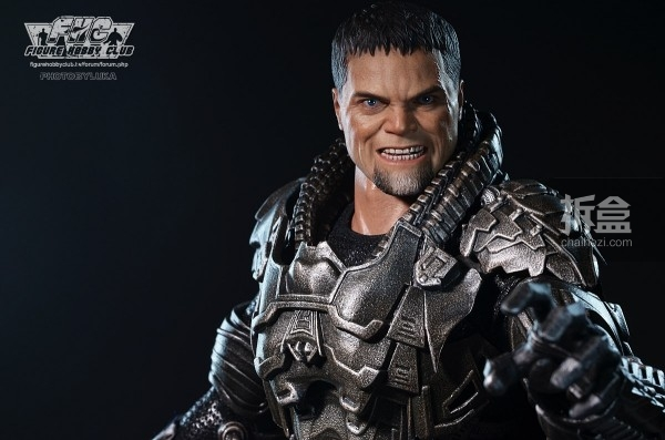 hottoys-man-of-steel-general-zod-luka-009