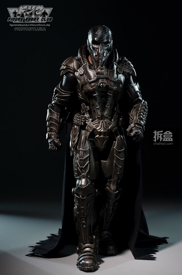 hottoys-man-of-steel-general-zod-luka-013
