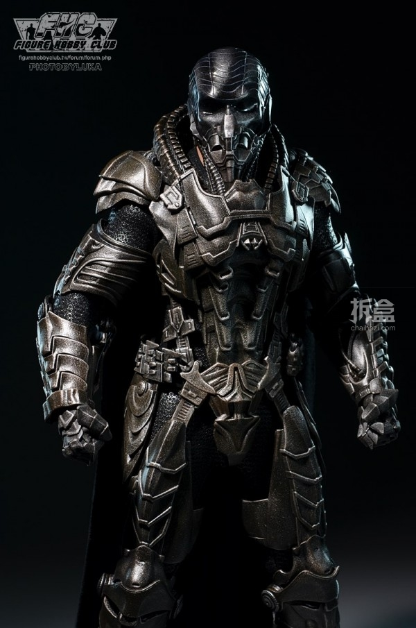 hottoys-man-of-steel-general-zod-luka-014