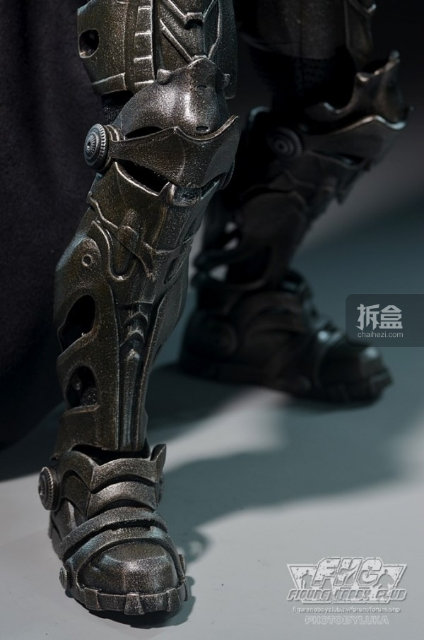 hottoys-man-of-steel-general-zod-luka-020