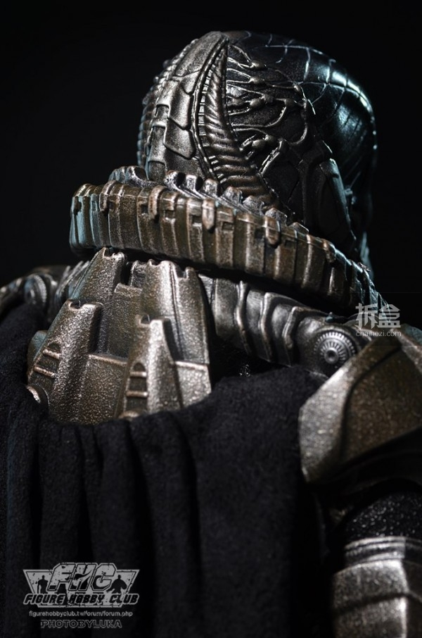 hottoys-man-of-steel-general-zod-luka-022