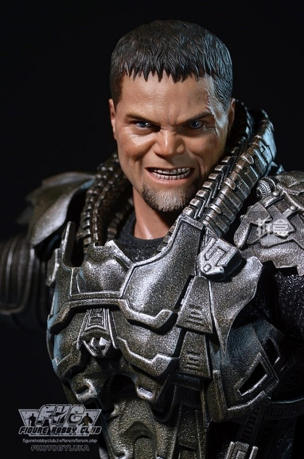 hottoys-man-of-steel-general-zod-luka-023